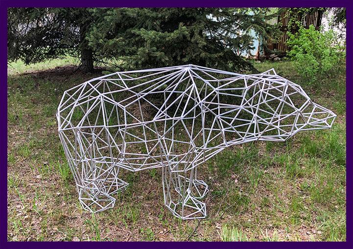 Метеллический полигональный медведь для лофта или бара
