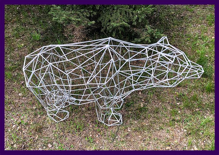 Декоративная фигура для улицы и интерьера, медведь полигональный