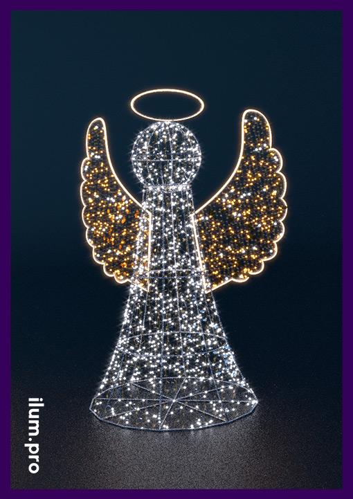 Светящийся уличный ангел с гирляндами