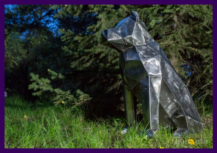 Lowpoly dog skulpture by metall