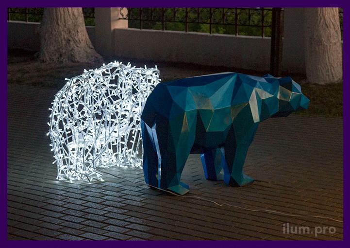 Полигональные фигуры медведей из металла во Владимире