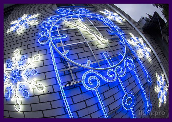Часы светодиодные из дюралайта и металла на стене