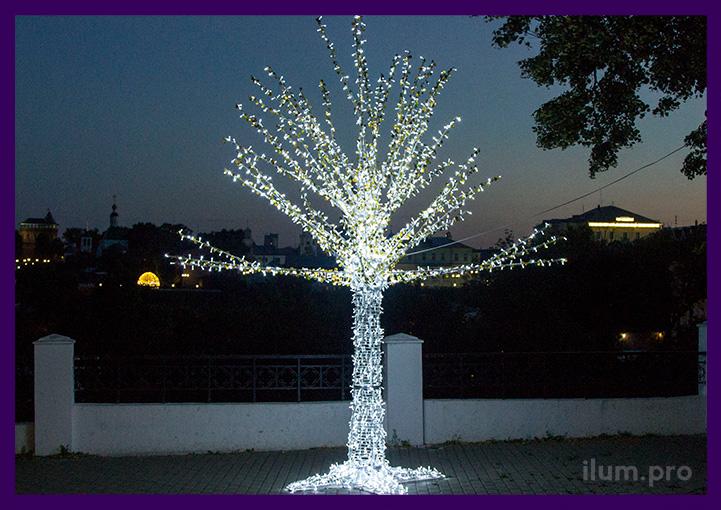 Светодиодное дерево из гирлянд и алюминия для улицы