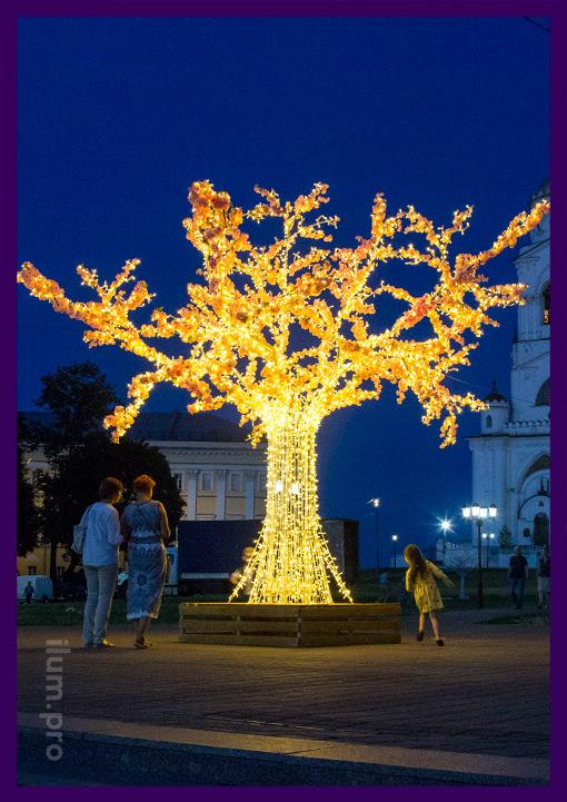 Тёпло-белое светодиодное дерево на Соборной площади г. Владимир