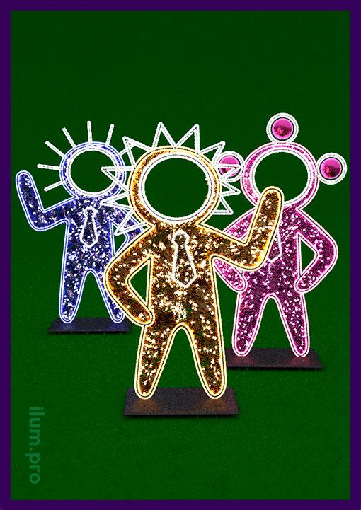 Тантамарески с подсветкой гирляндами в виде инопланетян