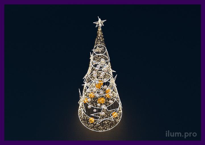 Ёлка со светодиодными звёздами, золотыми и серебряными шарами и дюралайтом