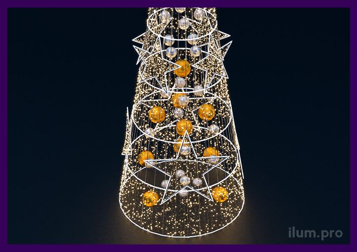 Декор светодиодной ёлки звёздами из гирлянд