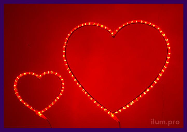 Красные светодиодные сердца из дюралайта похожего на неон