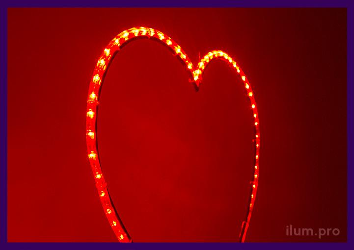 Светящееся сердце подвесное с красным дюралайтом