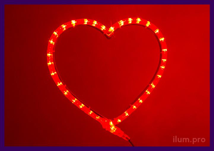 Красное сердце светящееся из дюралайта