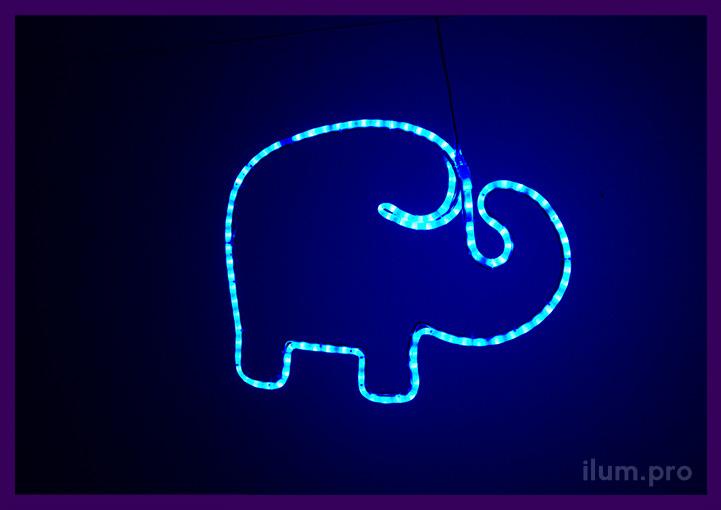Синий светодиодный слон из гирлянд