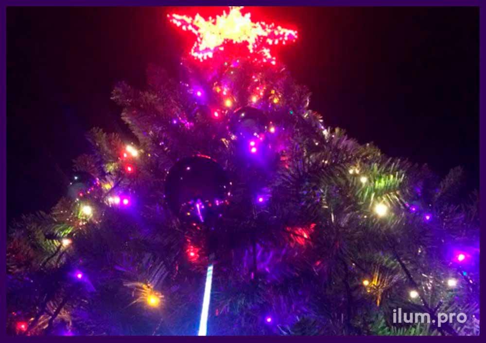 Новогодняя ёлка каркасная Уральская с красной звездой