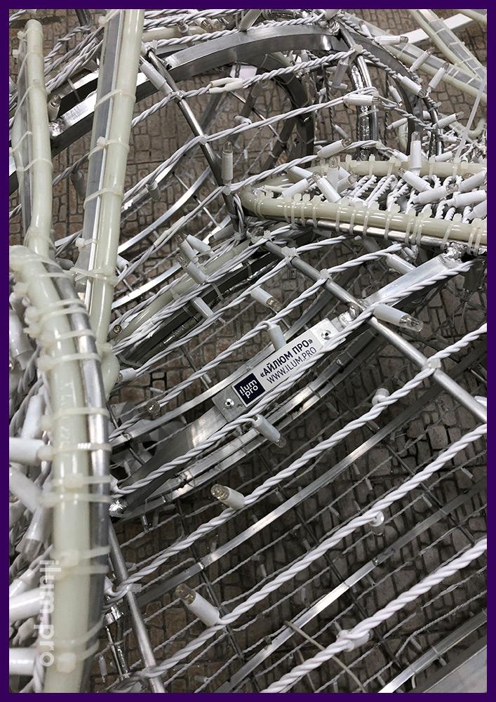 Сборка уличной иллюминации из гирлянд и алюминиевого каркаса с дюралайтом