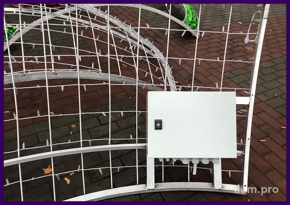 Подключение гирлянд IP65 к трансформаторам на 24 В для украшения города на праздники