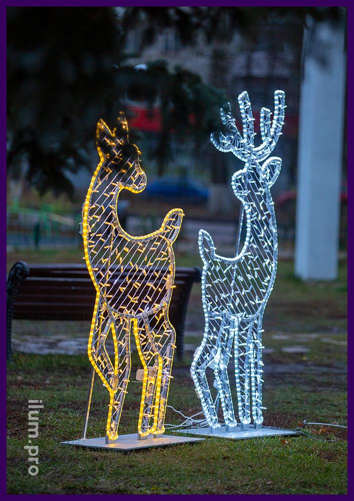 Украшения светодиодные с гирляндами в форме оленей для парка