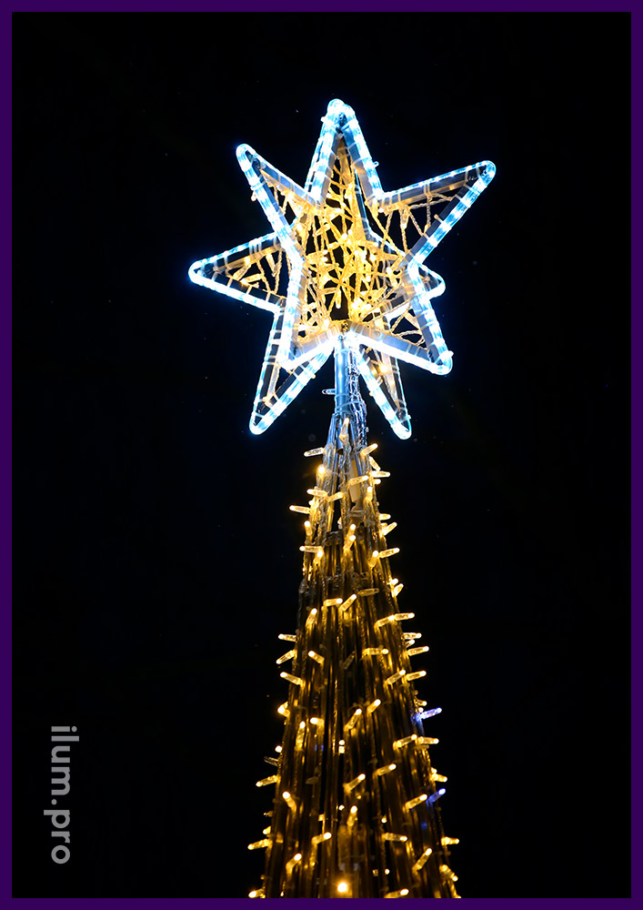 Новогодняя ёлка со светящимися звёздами из дюралайта и нитями тёпло-белого цвета