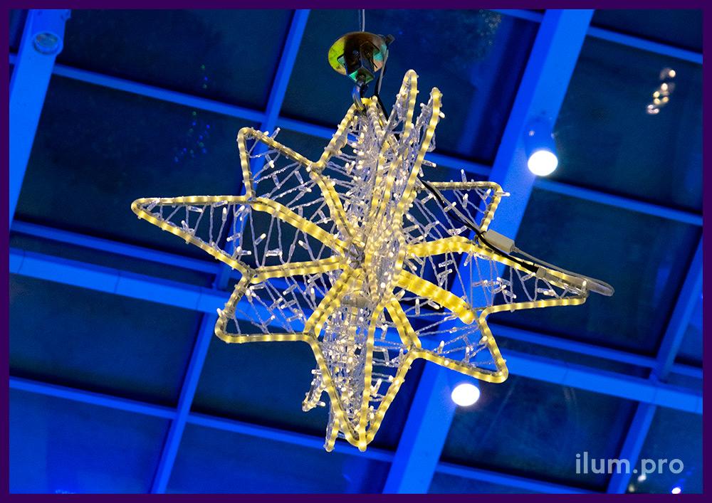 Новогоднее оформление интерьера торгового центра светодиодными украшениями с LED гирляндами