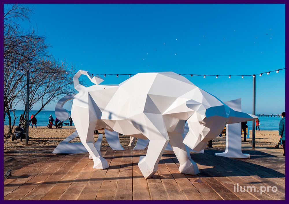 Новогодняя фотозона с полигональной скульптурой быка из металла с порошковым окрашиванием