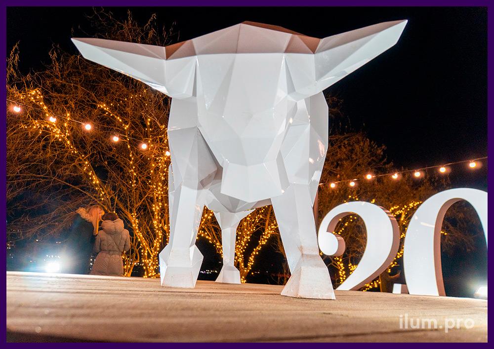 Полигональные арт-объекты в форме животных из крашеного металла для украшения улицы и интерьера