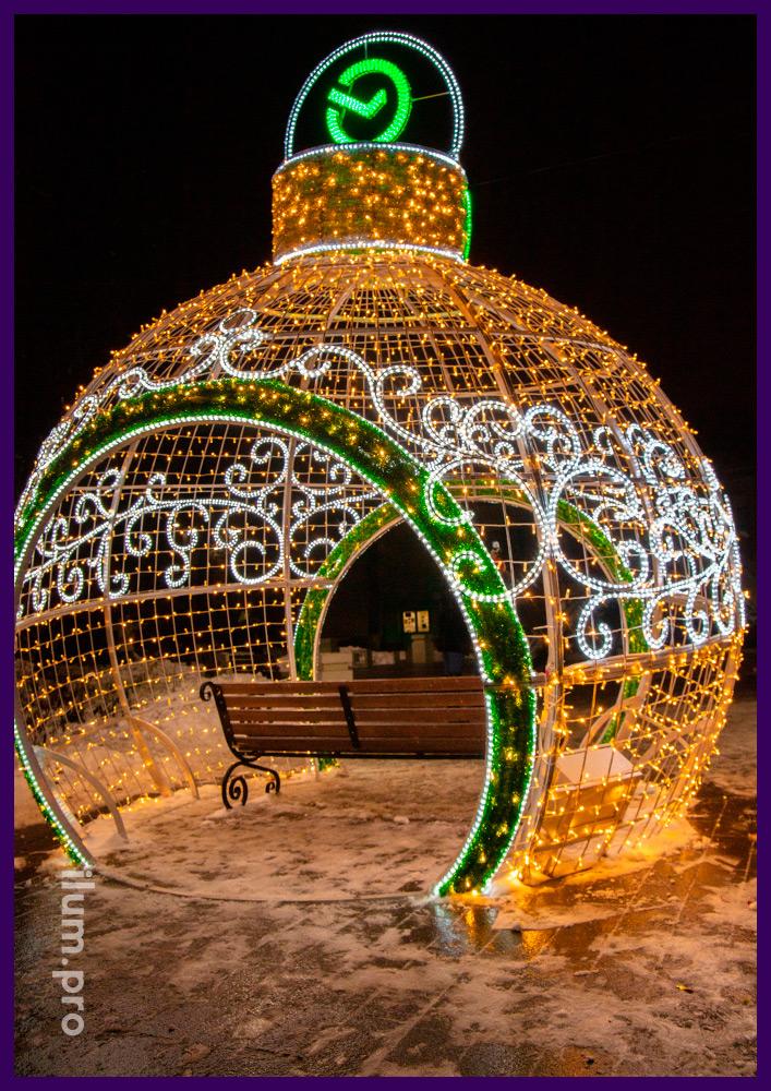 Светодиодный шар с гирляндами от Сбербанка в Чехове на Новый год