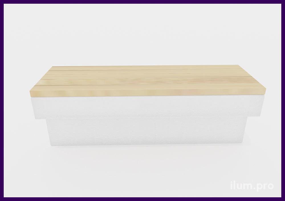 Лавочка деревянная с бетонным основанием в форме буквы Т светлых оттенков