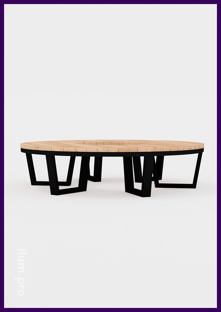 Скамейка в строгом стиле из металлической рамы и деревянного бруса в форме кольца