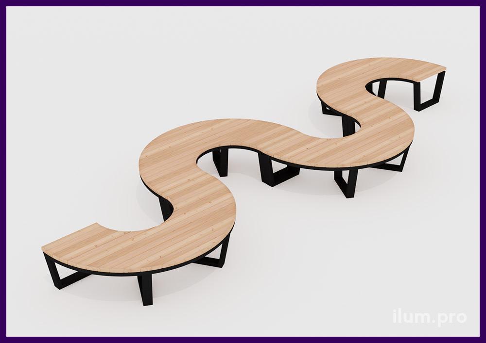 Садово-парковая скамья в форме волны из дерева и металлического каркаса