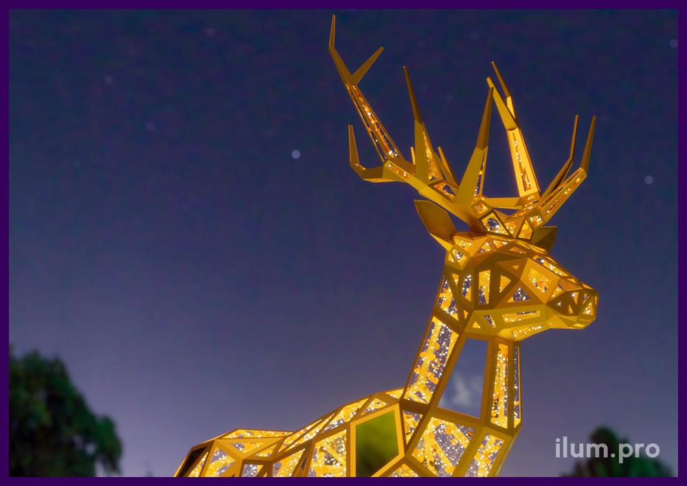 Полигональный олень - уличная скульптура из металлического каркаса и светодиодной иллюминации