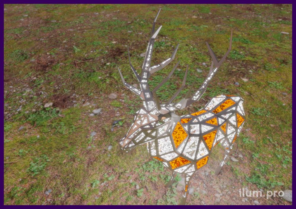 Олени полигональные с встроенной подсветкой из металла и гирлянд с блёстками и пластиком