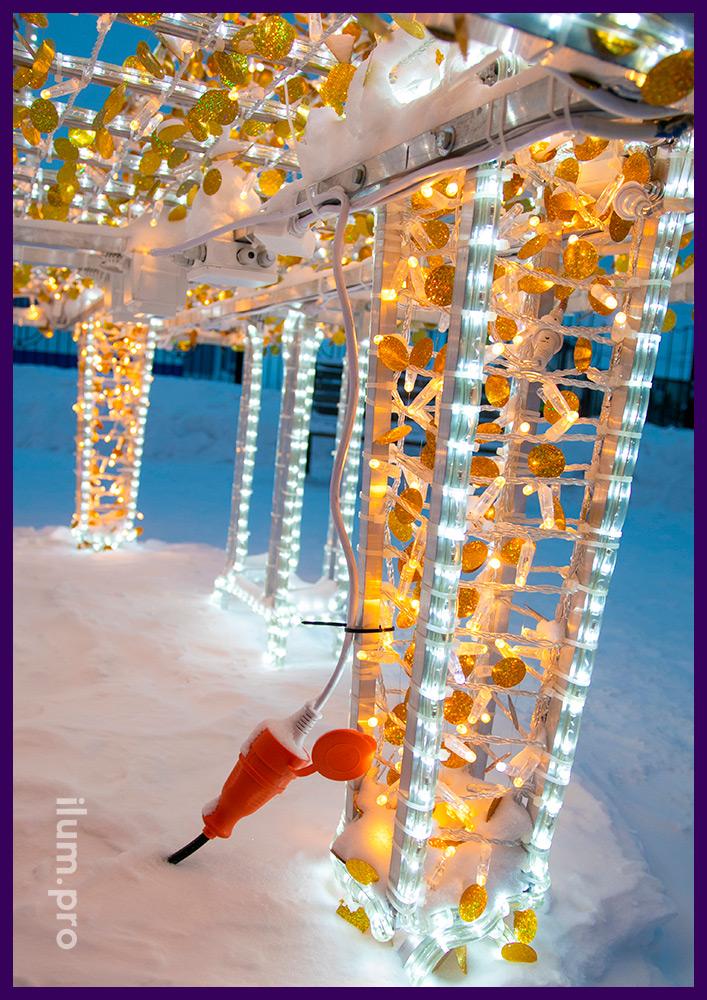 Рояль светящийся из дюралайта и тёпло-белых светодиодных нитей на алюминиевом каркасе