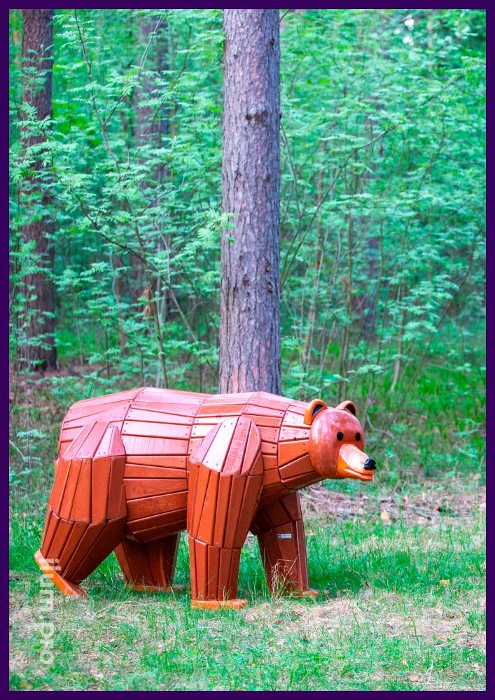 Деревянный медведь - садово-парковый арт-объект для детской площадки или сада