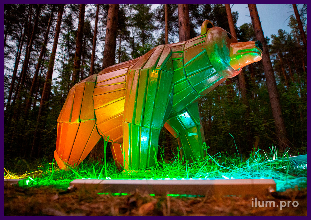 Медведи из дерева - уличные ландшафтные фигуры для украшения парков и скверов