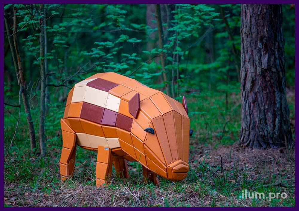 Деревянная фигура свиньи коричневого цвета, арт-объект, уличная скамейка, фигура для детской площадки