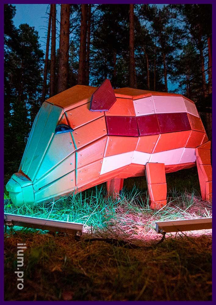 Свинья из дерева - фигура для благоустройства территории парка и детской площадки