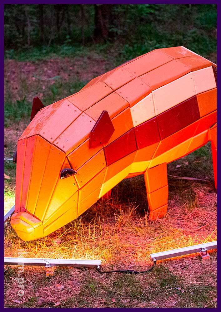 Садово-парковая фигура из дерева, свинья с износостойкой краской и защитой от выгорания
