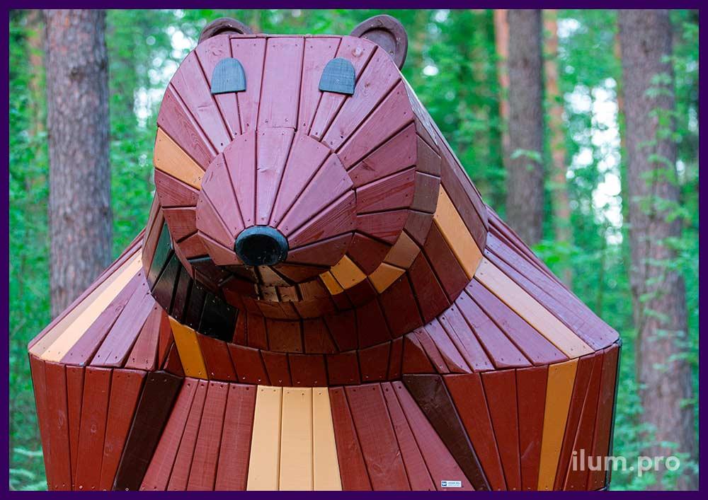 Деревянная медведица - садово-парковая фигура со скамейкой для благоустройства территории