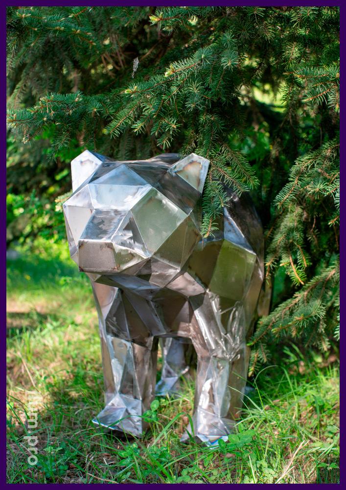 Полигональный медведь из стали для установки в парках и скверах, металлический арт-объект