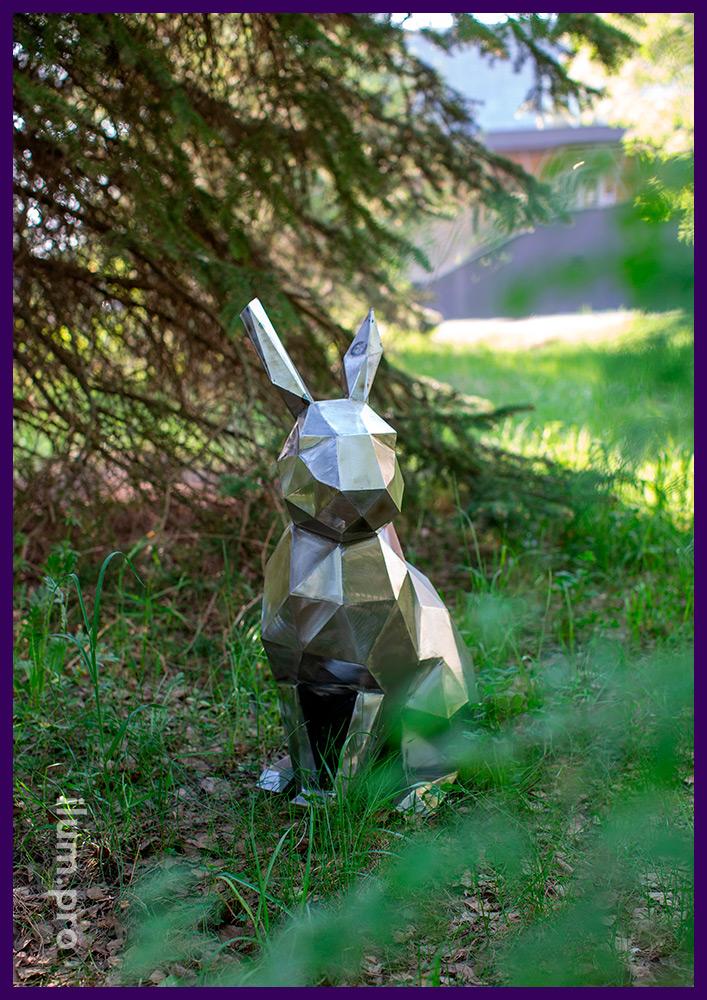Фигура зайца полигональная из листового металла, стальной арт-объект для ландшафта