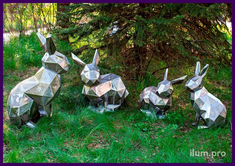 Полигональные фигуры зайцев разных размеров для украшения частных владений, городских парков и скверов