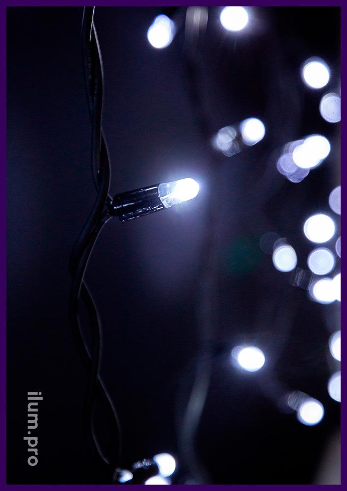 Бахрома на чёрном резиновом проводе со светодиодами белого цвета, статика