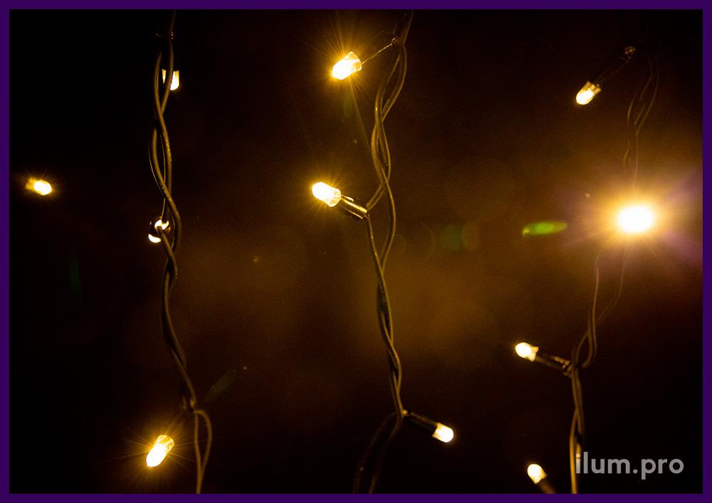 Уличная мерцающая бахрома 3х0,6 м, тёпло-белое свечение, чёрный резиновый провод из каучука