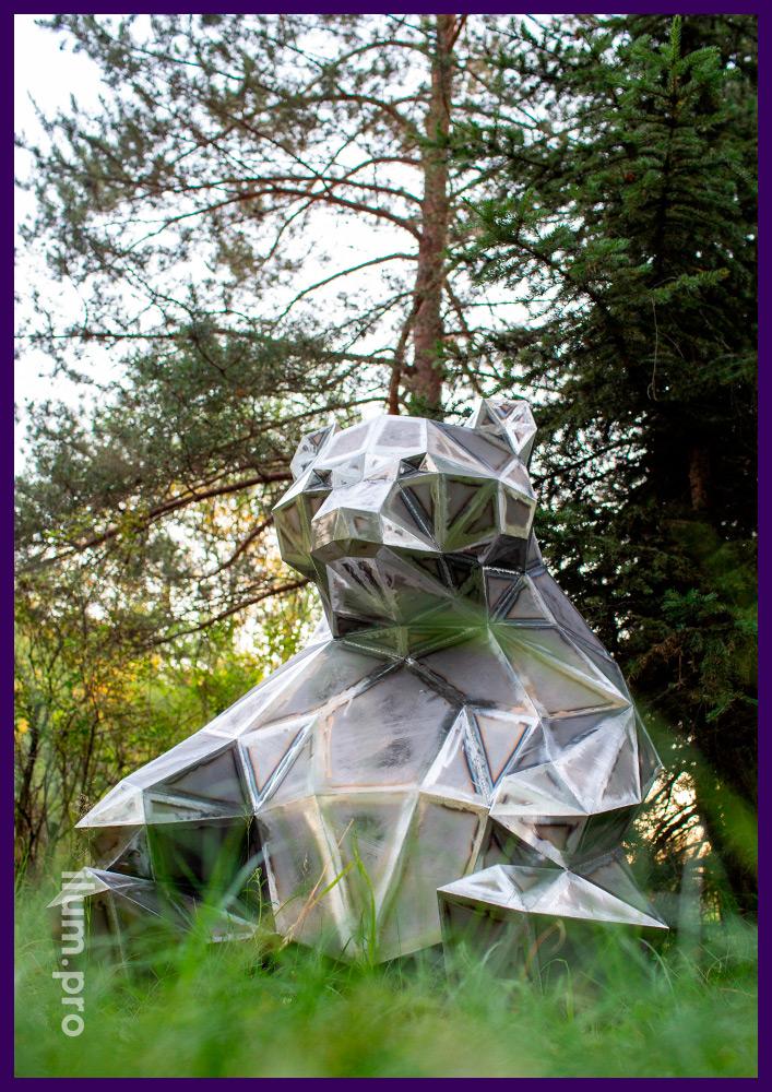 Медведь полигональный из стали, высота 1,5 м, ширина 1,5 м, ландшафтное благоустройство