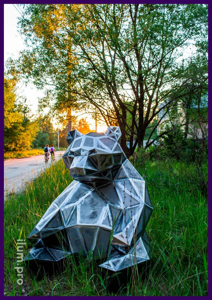 Медведи полигональные металлические - арт-объекты для украшения территории ЖК