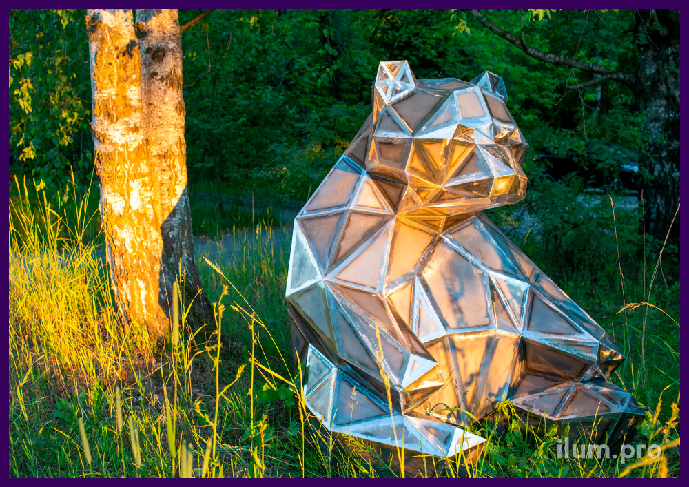 Полигональный медведь из стали, фигура для парка, необычная фотозона и арт-объект