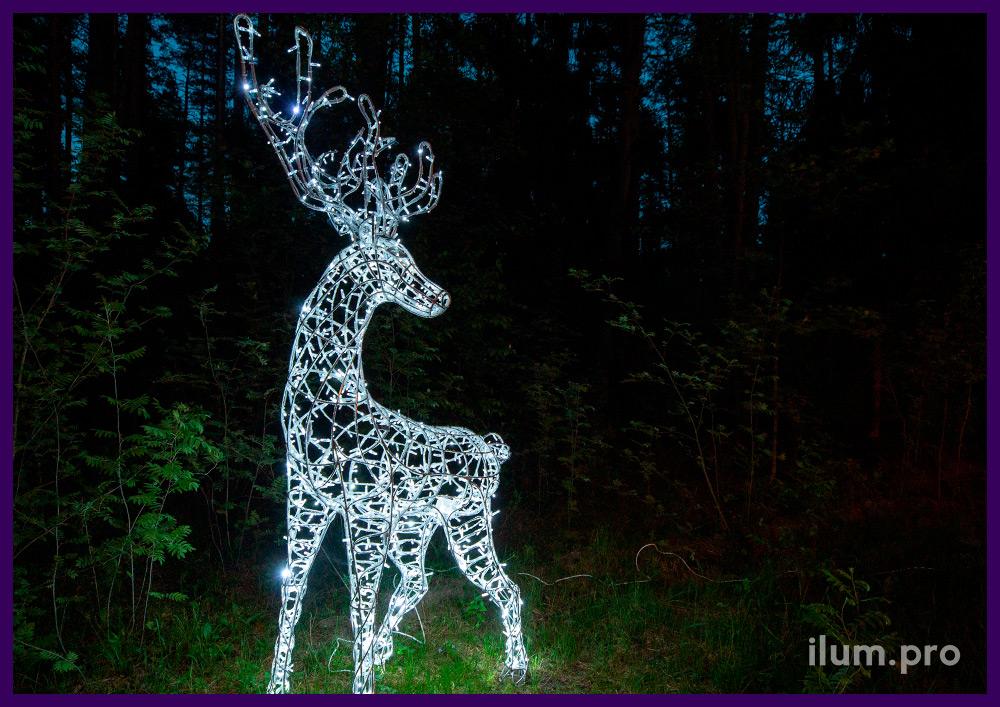 Световая фигура оленя из металлического каркаса и холодной иллюминации