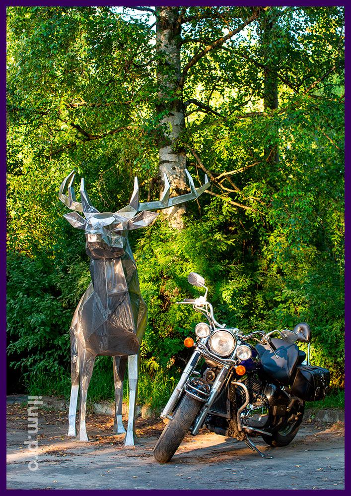 Полигональный олень высотой 2,5 метра, стальная скульптура для благоустройства ландшафта