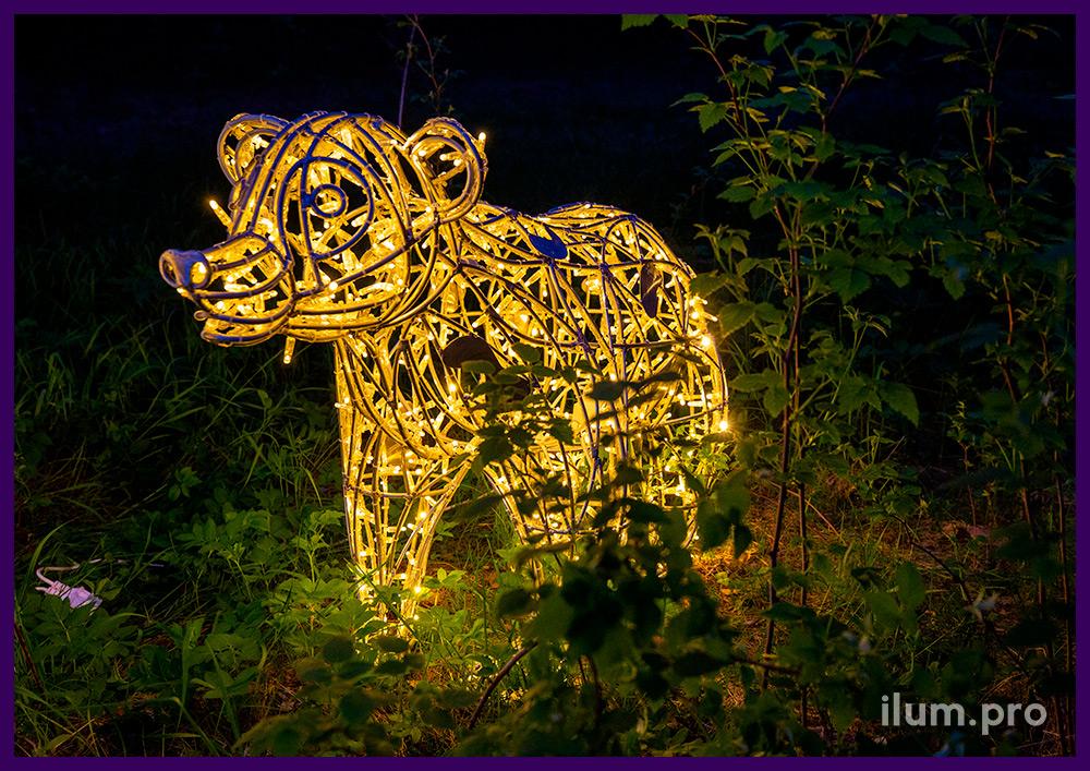 Светодиодная фигура медведя с уличными гирляндами для установки в саду