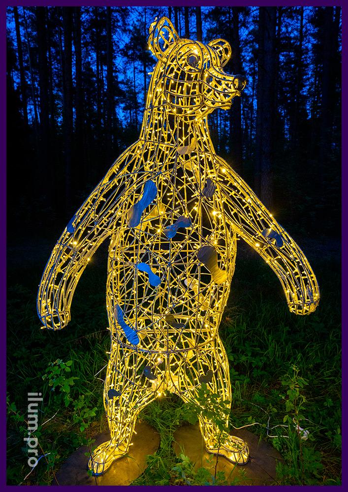 Медведи объёмные со светодиодными гирляндами и каркасом из нержавеющего металла
