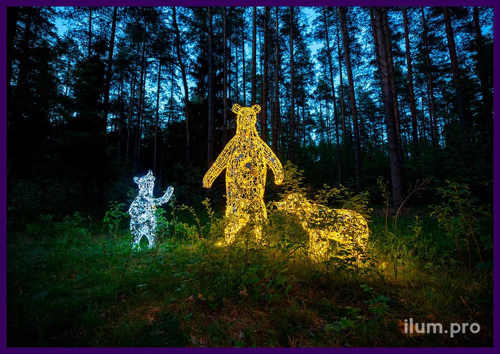 Светодиодные медведи разных размеров из алюминиевой проволоки и гирлянд