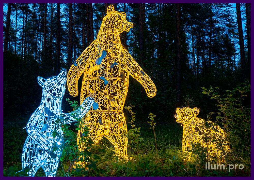 Три светодиодных медведя разных размеров и формы, каркас из нержавеющего сплава